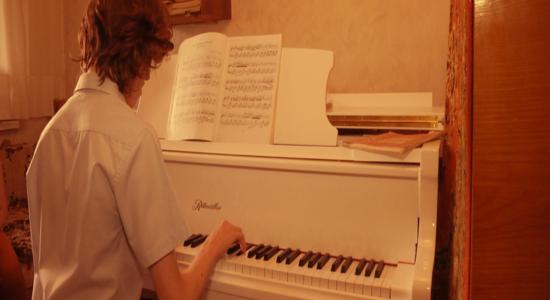 Харківському Шопену потрібна допомога, щоб виступити на конкурсі піаністів у Швейцарії