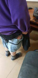На Харківщині жінка ховала під спідницею  майже 50 телефонів IPHONE