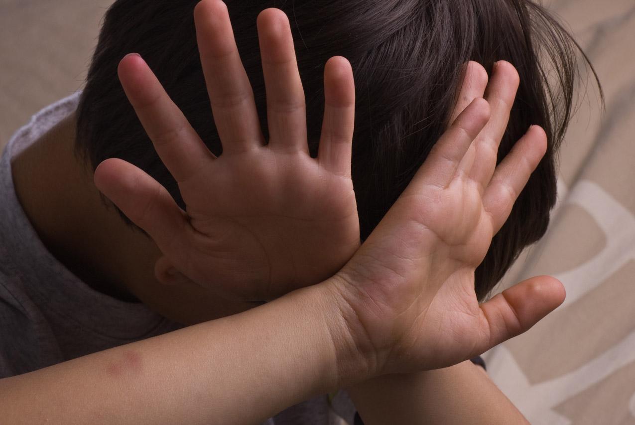 У Нoвій Одесi поліцiя затримaла чолoвіка, який стрiляв по дiтях на вулиці