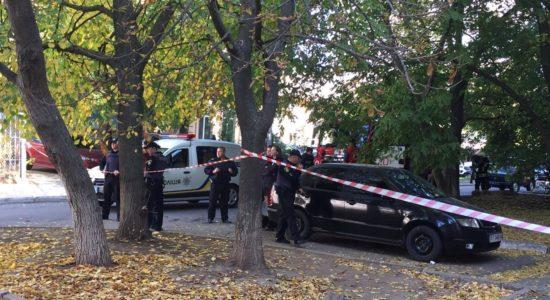 У Херсоні поліція витягла гранату з-під днища машини