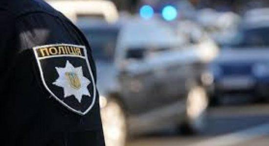У Тернополі патрульний врятував дитину з відкритого вікна