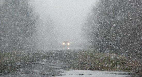 На Харківщині із засніжених заметів рятувальники витягли 12-ть авто