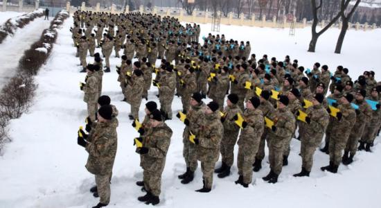 У Харкові близько 500 кадетів узяли учать у флешмобі з нагоди Дня Соборності України