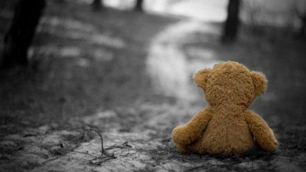 У Харкові з'ясують ступінь вини інспектора щодо загибелі 3-річної дитини від побоїв та катувань