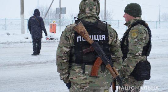 V Khar'kove politseyskiye zaderzhali muzhchinu, kotoryy porezal 3-kh chelovek