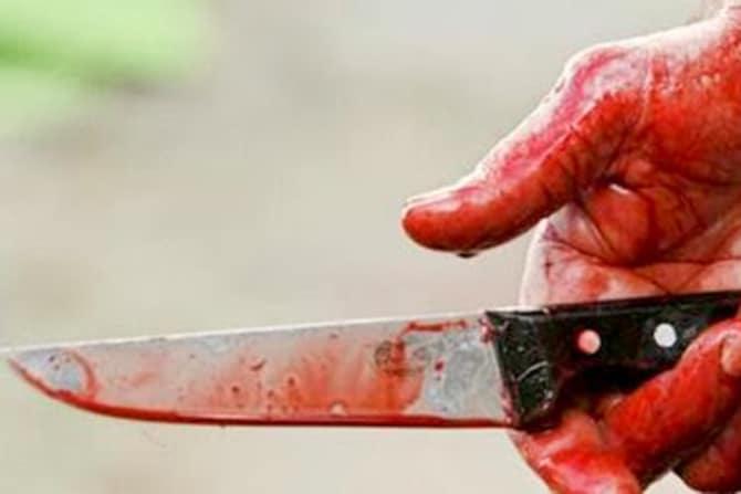 В Одесі через сварку у тролейбусі вдарив ножем чоловіка